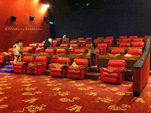 cinema gold screen