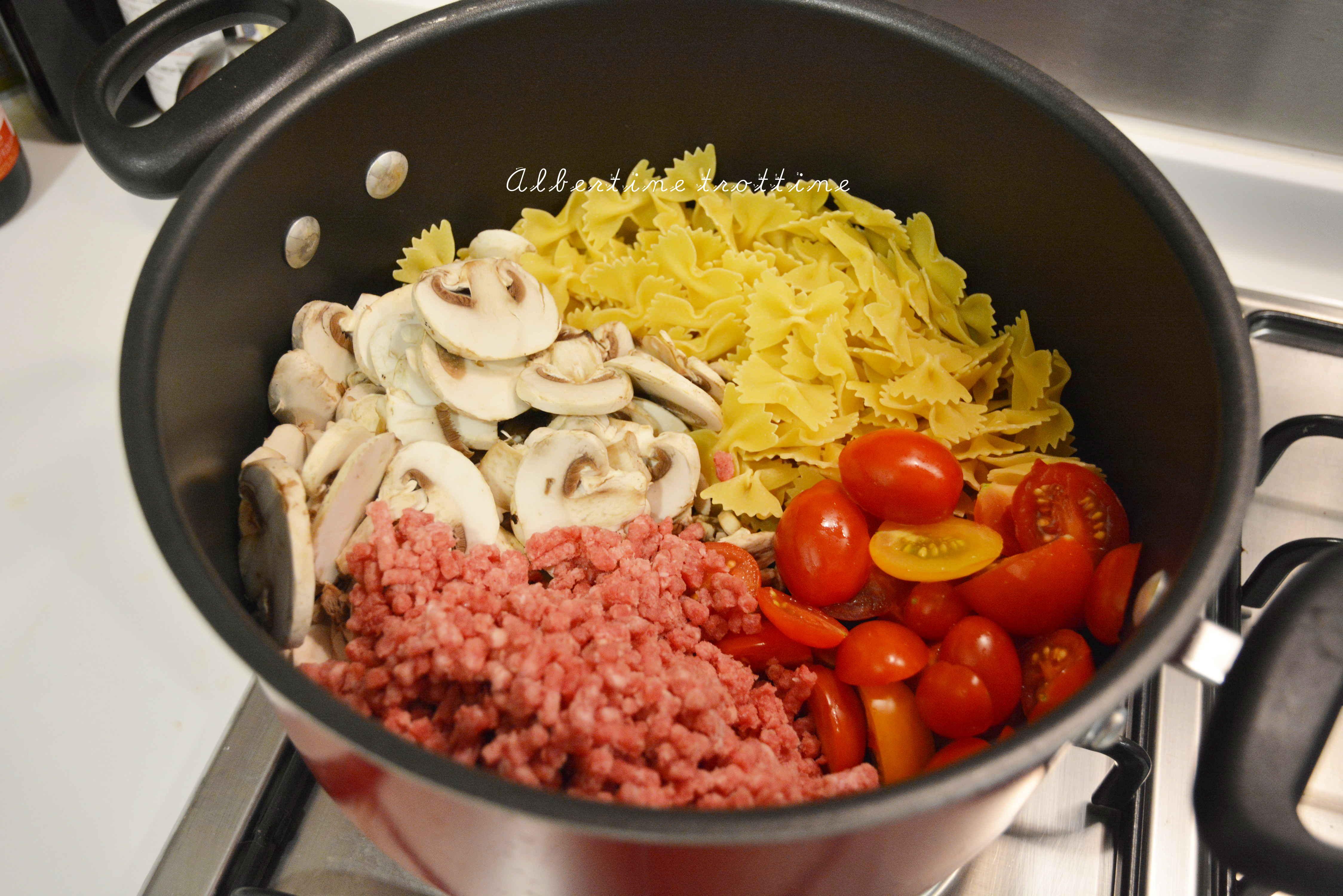 recette du one pot pasta avec viande albertine trottine. Black Bedroom Furniture Sets. Home Design Ideas