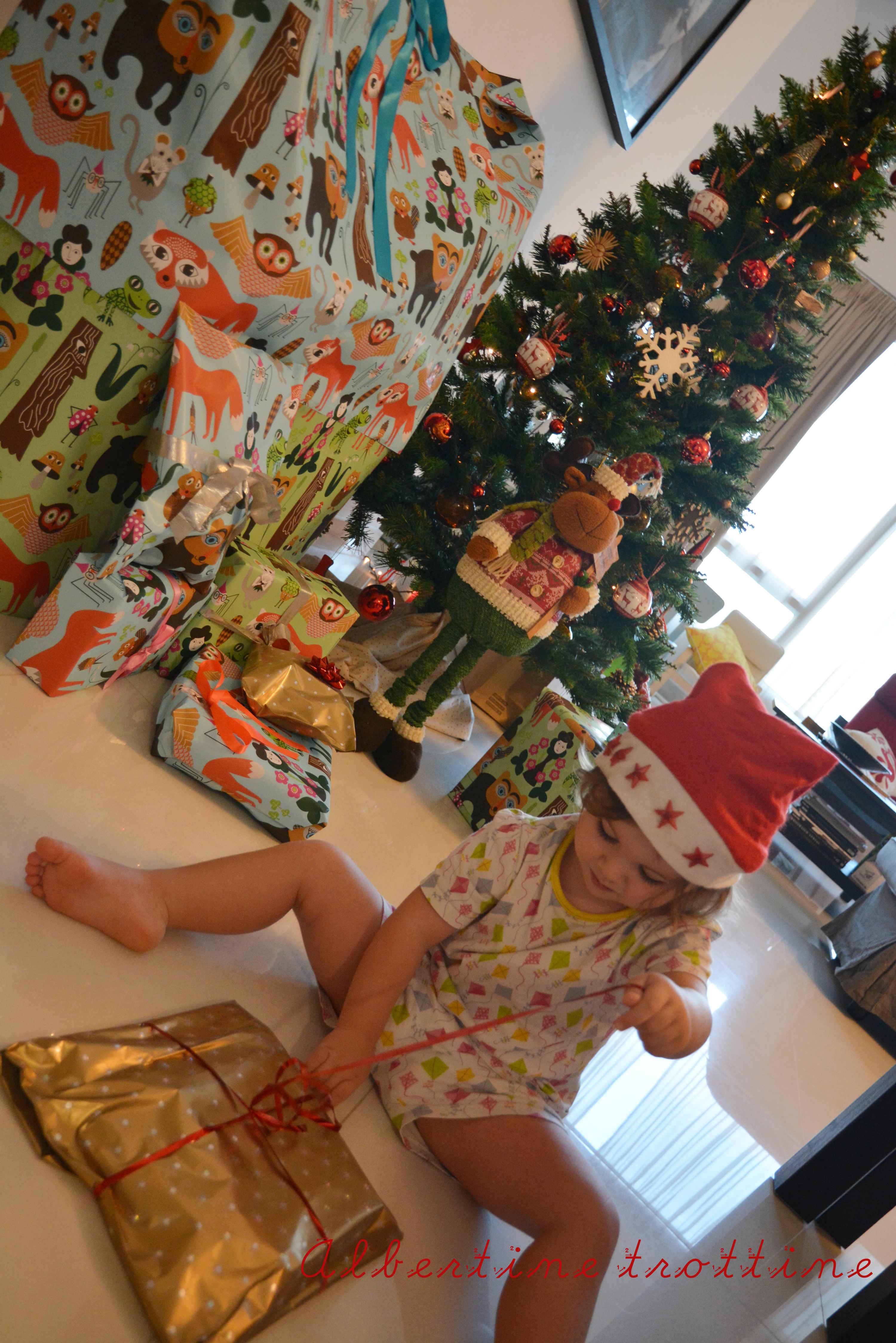 Joyeux Noel Petit Ours Brun.Tchoupi Et Petit Ours Brun Peluche Livre Coloriage